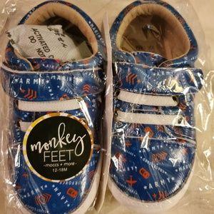 Monkey Feet Low Tops